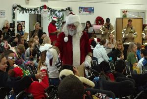 Santa joins local unions to deliver toys to children